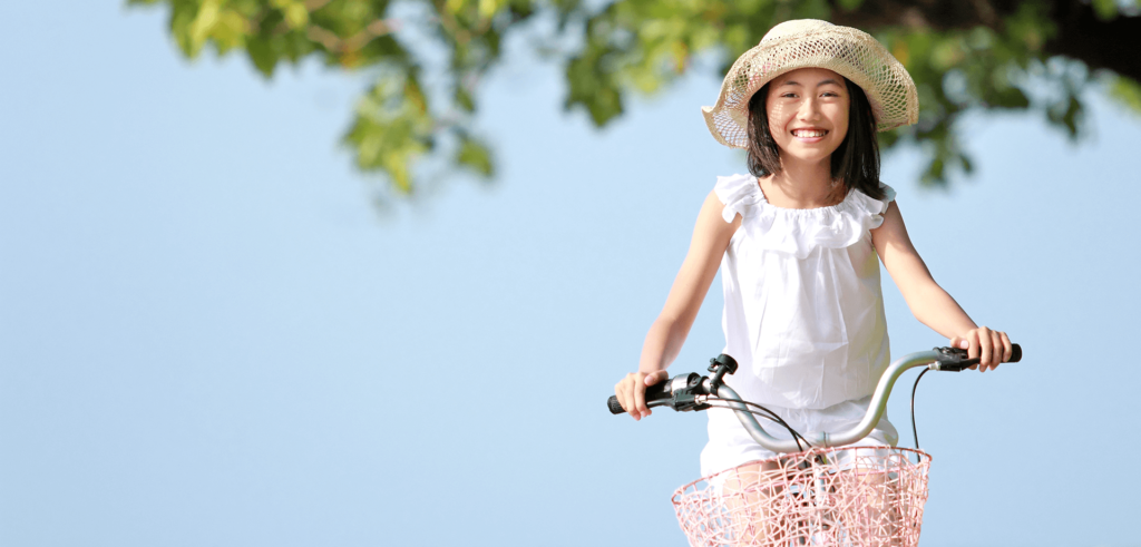 其單車的小女孩